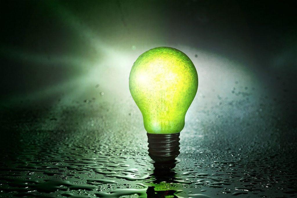 Lâmpada sustentável acesa